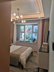 明珠东二区2室2厅1卫80万95m²出售带30平大车库