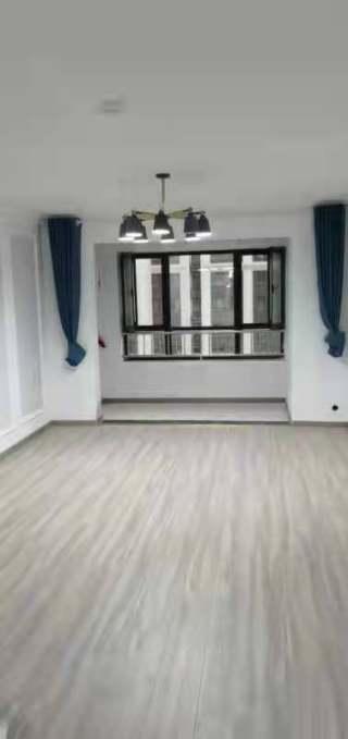 (圣井)泰悦盛景3室2厅2卫1200元/月135m²出租
